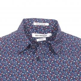 Chemise cintrée Ben Sherman en coton bleu marine à fleurs bleues, bordeaux et marron clair
