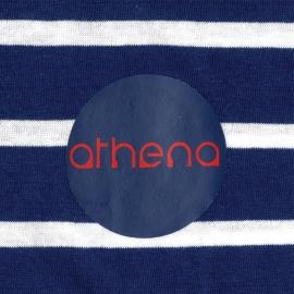 Pyjama court Athena en coton : tee-shirt col V à rayures bleu marine et blanches, bermuda bleu marine