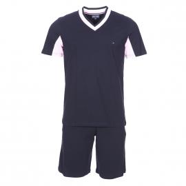 Pyjama court Eden Park en coton : tee-shirt manches courtes, col V bleu marine à rayures et bermuda bleu marine