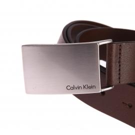 Ceinture Calvin Klein Jeans en cuir marron texturé à boucle pleine argentée gravée