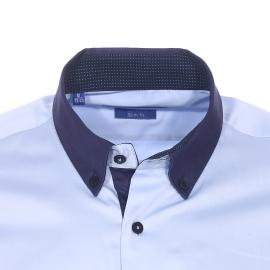 Chemise cintrée Méadrine en coton bleu ciel à col américain bleu marine