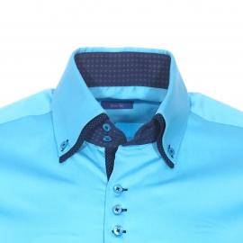 Chemise cintrée Méadrine en coton bleu turquoise à double col américain : 1 col bleu turquoise et 1 col bleu marine à pois
