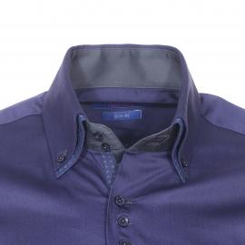 Chemise cintrée Méadrine en coton bleu marine à double col américain : 1 col bleu marine et 1 col bleu à motifs géométriques