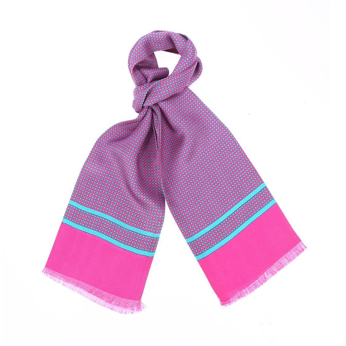 Echarpe en soie  fuchsia à motifs losanges bleus
