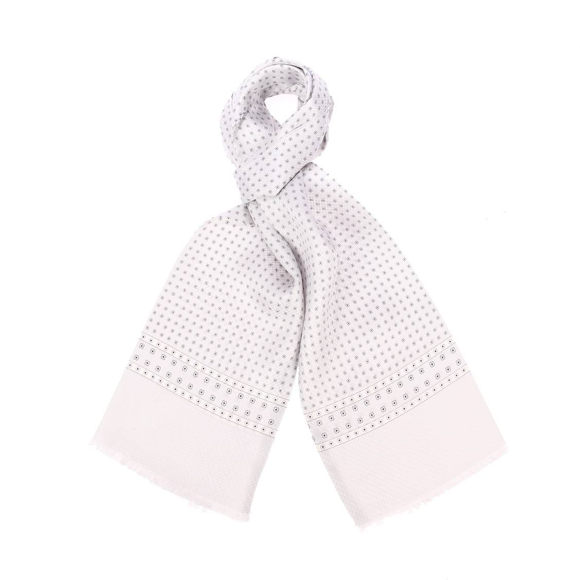 Echarpe en soie  gris clair à motifs pâquerettes
