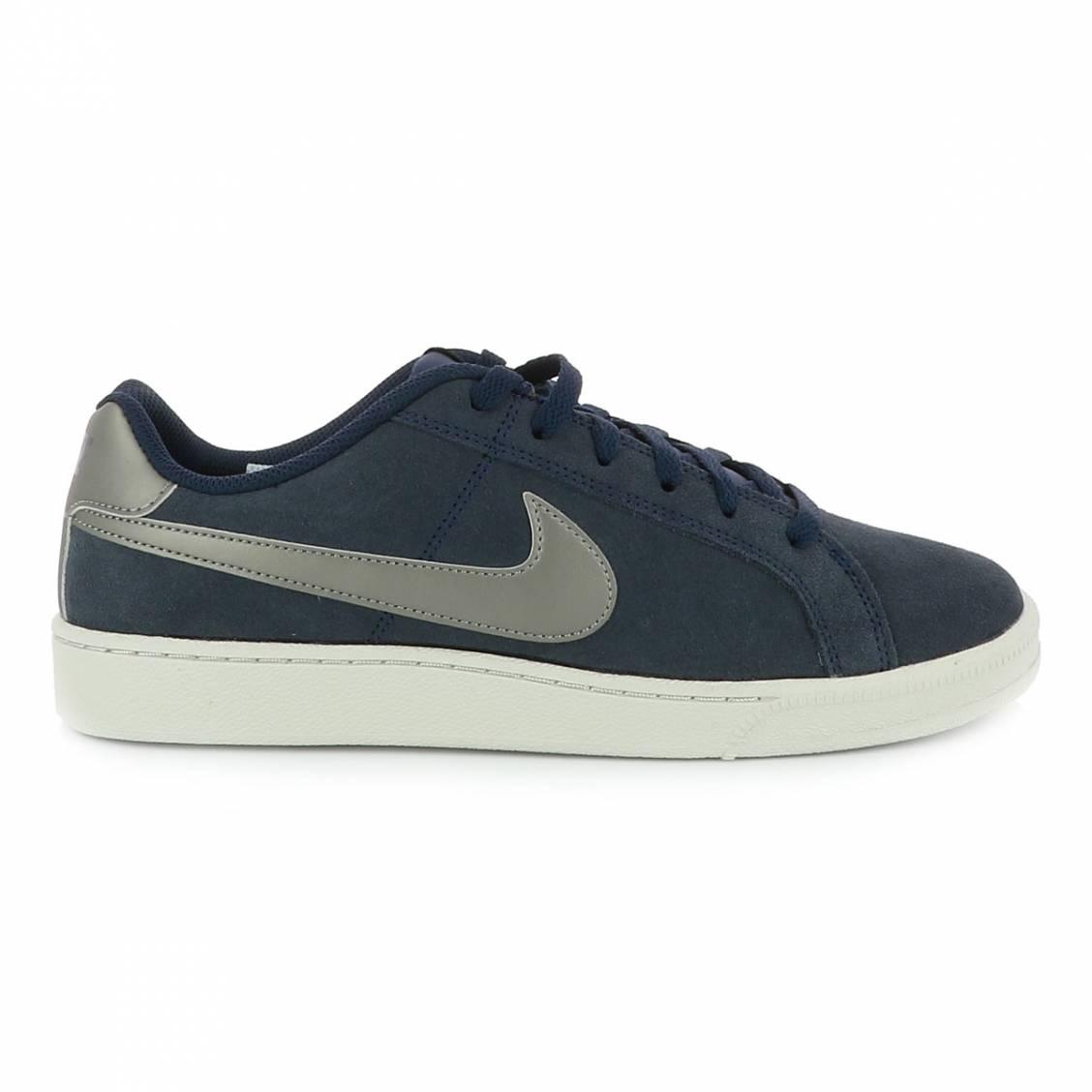 newest 849a7 9d93d Baskets Nike Court Royale bleu marine ...