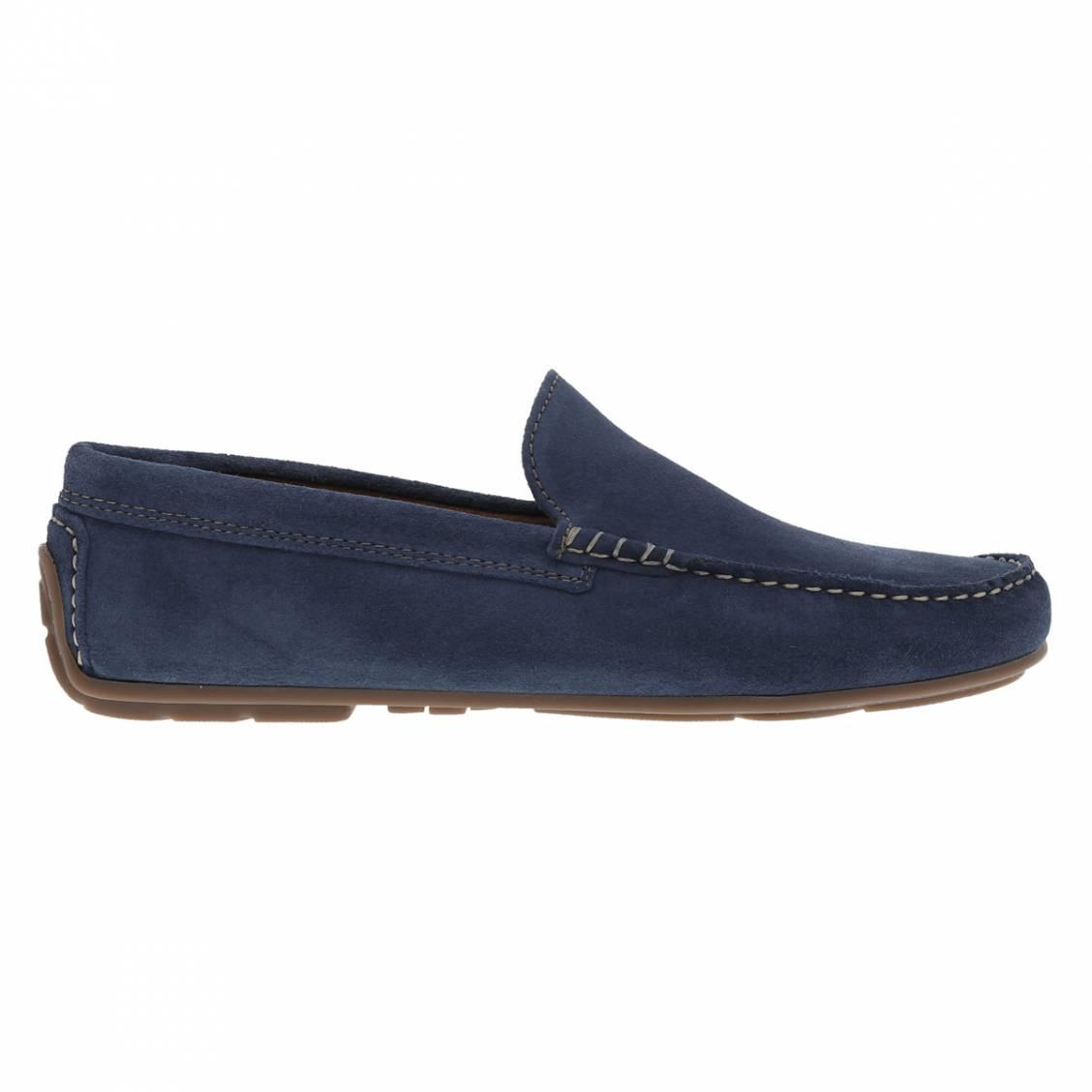 Chaussures bateau en croute de cuir bleu marine. Chaussures bateau en croute de cuir bleu marine