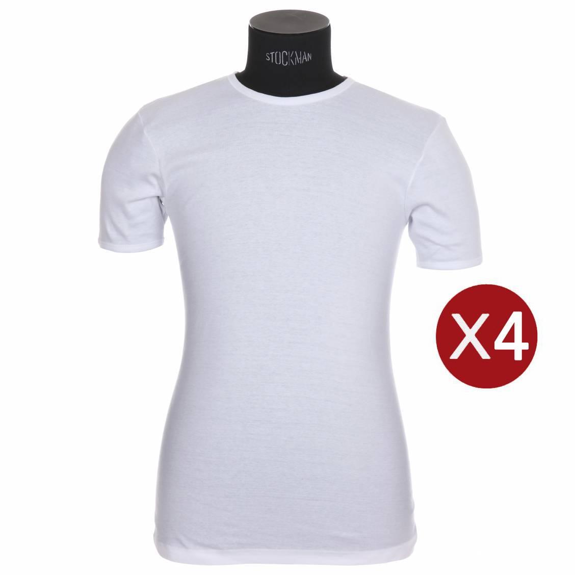 Un tee-shirt basique avec une coupe près du corps