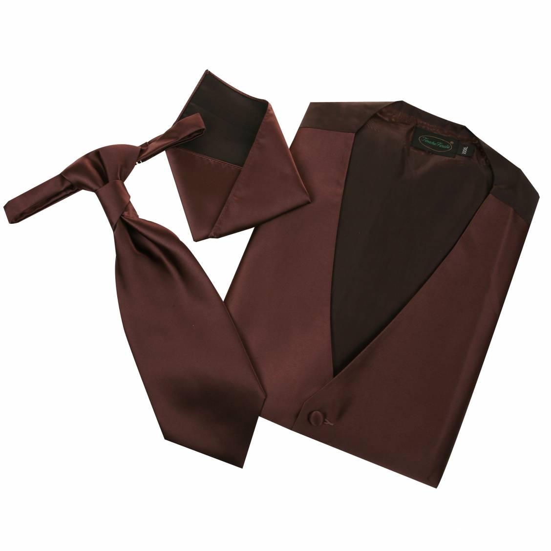 Set de cérémonie: gilet, cravalière et pochette ton marron glacé. Set de cérémonie composé d'un gilet