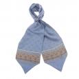 Foulard Ascot à nouer en soie bleu clair, à motifs fleurs blanches et jaunes