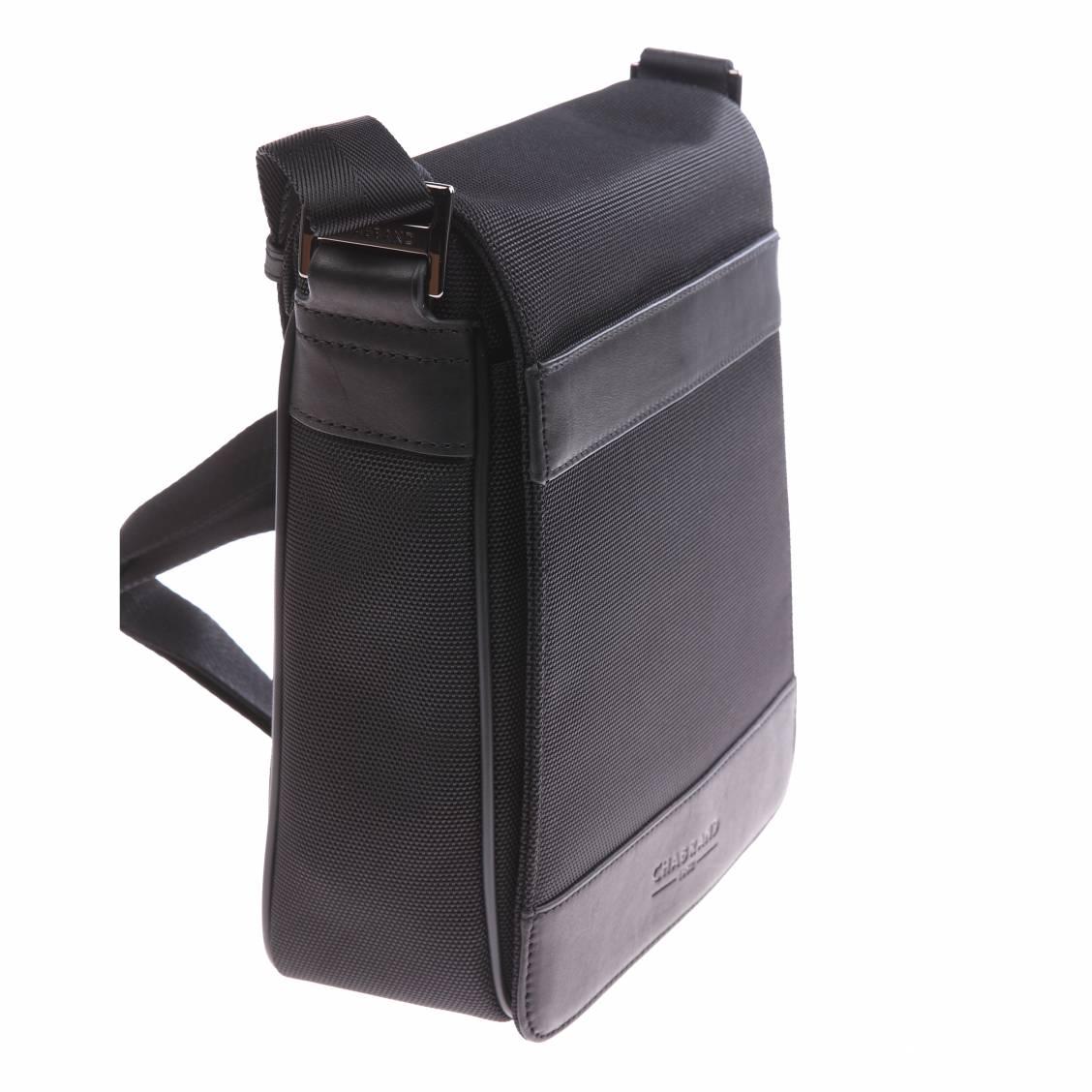petite sacoche chabrand en toile garnie de cuir noire avec rabat rue des hommes. Black Bedroom Furniture Sets. Home Design Ideas