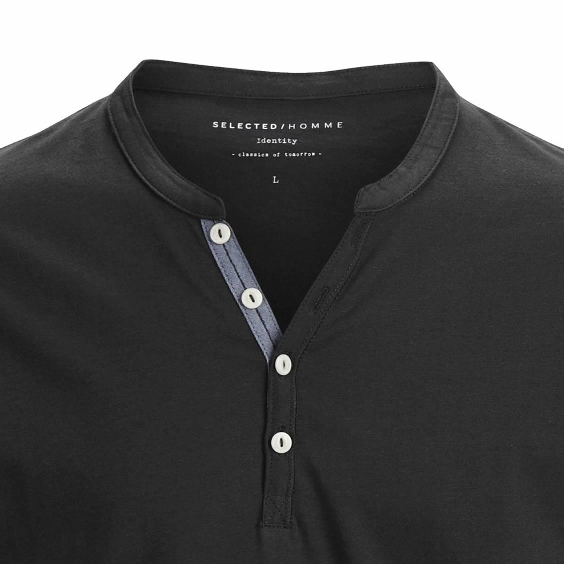 tee shirt selected col tunisien en coton pima noir rue des hommes. Black Bedroom Furniture Sets. Home Design Ideas