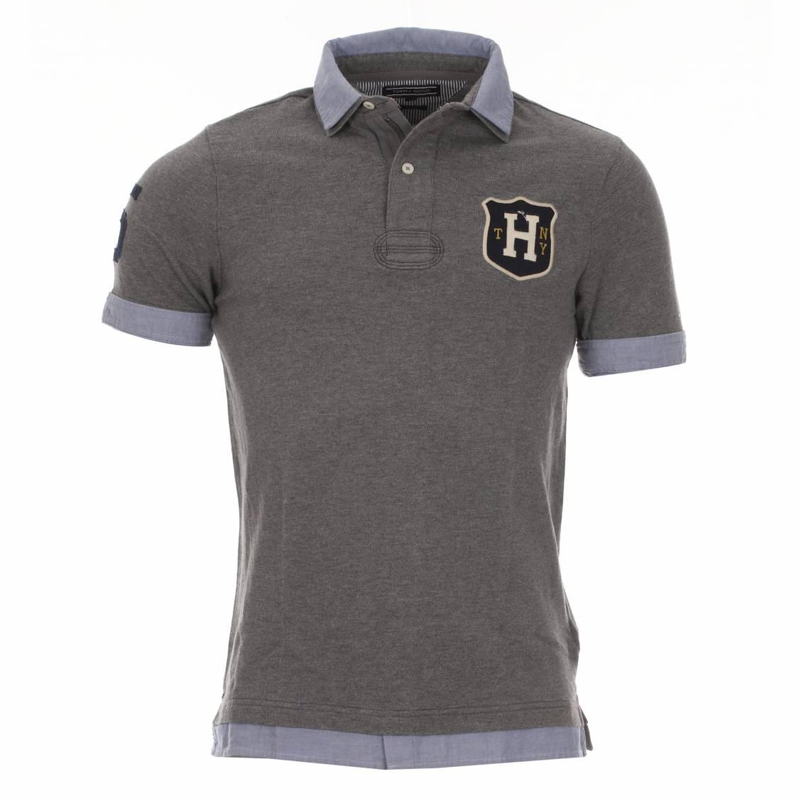 polo tommy hilfiger gris doubl d 39 une fausse chemise bleu jean rue des hommes. Black Bedroom Furniture Sets. Home Design Ideas